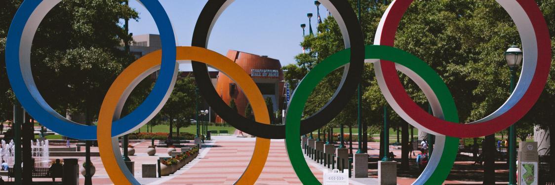 Olympiske lege - statue af de 5 ringe