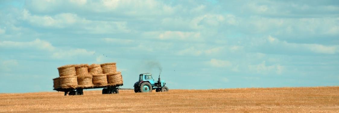 traktor på mark